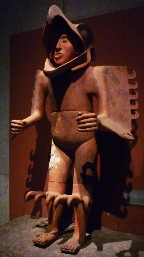 Large ceramic statue of an Aztec eagle warrior exhibited at the Museo Nacional de Antropología e Historia, México