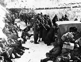 Marines retreat from Chosin Reservoir (11/50)