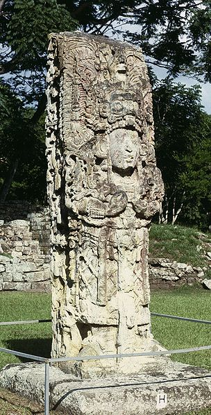 Stela H at Copan, Honduras, depicting the king 18 Rabbit. By HJDP (own work) CC-BY-3.0, via Wikimedia Commons